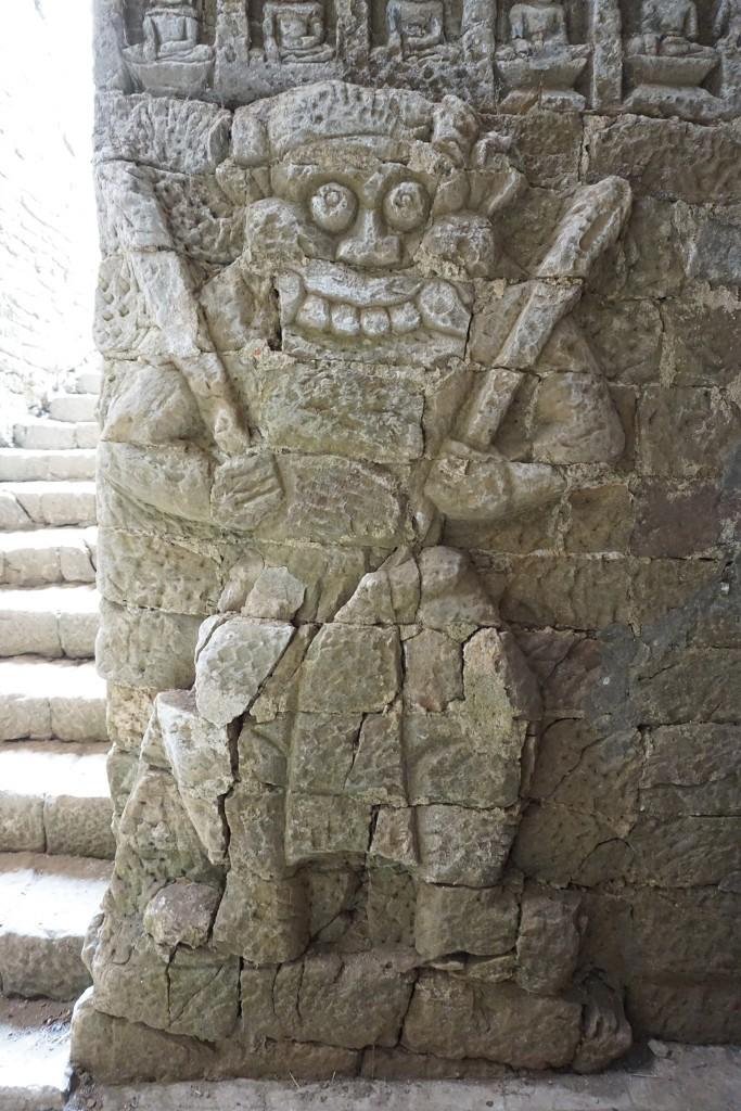 """Die vielen """"Monster"""" hier in den Tempeln finden wir ja eher lieb als furchterregend"""
